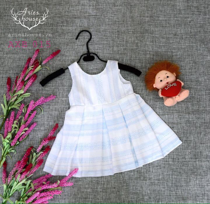 Đầm xô sọc cho bé